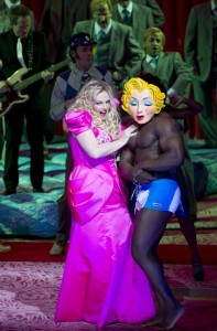 from: http://intermezzo.typepad.com/intermezzo/2011/02/anna-nicole-the-opera-y-in-photos.html